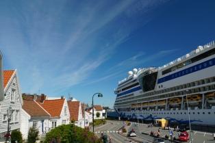 Norwegen-Stavanger-Hafen-Altstadt-AIDAsol-1