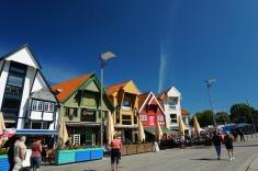 Norwegen-Stavanger-Hafen-Vagen-bunte_Haeuser-Cafe-2