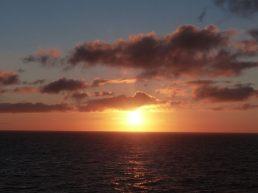 Norwegen-Stavanger-Sonnenaufgang-Meer-Wolken-1