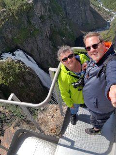 Norwegen-Voringfossen-Landschaft-Aussichtsplattform-wir-3