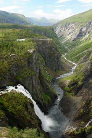 Norwegen-Voringfossen-Landschaft-Wasserfall-1