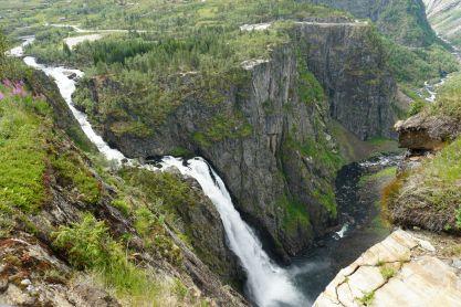 Norwegen-Voringfossen-Landschaft-Wasserfall-2