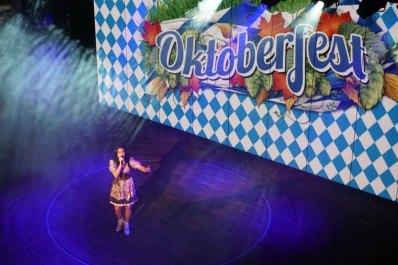 AIDA-Theatrium-Oktoberfest-Antonia_aus_Tirol-2