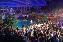 AIDAperla-Beachclub-bei_Nacht-Party-2
