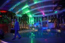AIDAperla-Beachclub-bei_Nacht-Party-5