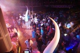 AIDAperla-Beachclub-bei_Nacht-Party-6