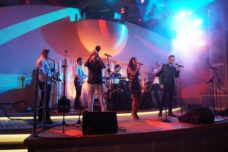 AIDAperla-Beachclub-bei_Nacht-Wonderland_Band-3