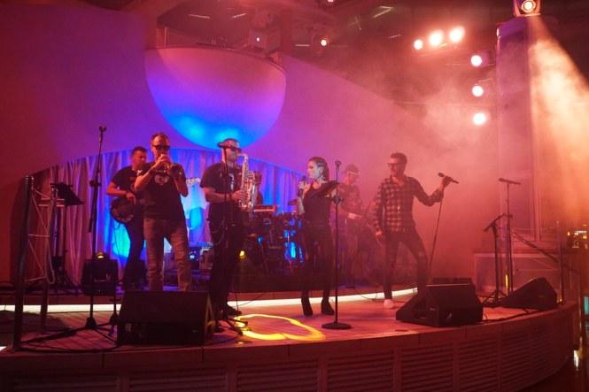 AIDAperla-Beachclub-bei_Nacht-Wonderland_Band-5