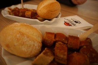 AIDAperla-Scharfe_Ecke-Currywurst-2