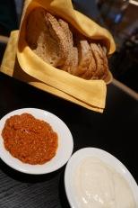 AIDAperla-Tapas_Bar-Brot-Aioli-2
