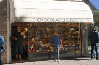 Bruegge-Belgische_Pralinen-Chocoladenhuisje-1