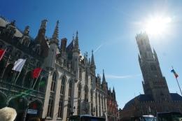 Bruegge-Marktplatz-Belfried-2