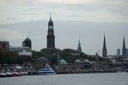 Hamburg-Skyline-Blick_vom_Hafen-2