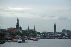 Hamburg-Skyline-Blick_vom_Hafen-4