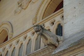 Normandie-Abtei_Jumieges-Gargoyle-1