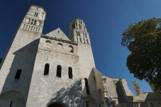 Normandie-Abtei_Jumieges-Gesamtansicht-2