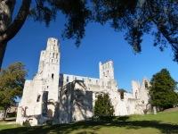Normandie-Abtei_Jumieges-Gesamtansicht-6