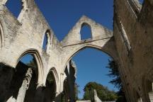 Normandie-Abtei_Jumieges-Ruine-3