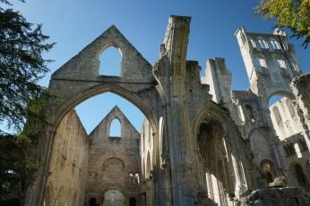 Normandie-Abtei_Jumieges-Ruine-4