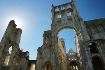 Normandie-Abtei_Jumieges-Ruine-5
