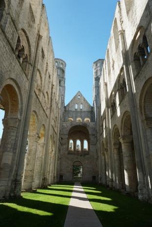 Normandie-Abtei_Jumieges-Ruine-6