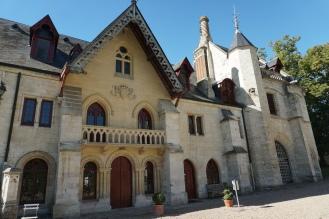 Normandie-Abtei_Jumieges-Torhaus-1