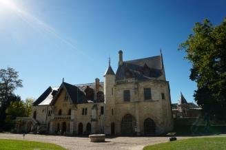 Normandie-Abtei_Jumieges-Torhaus-2