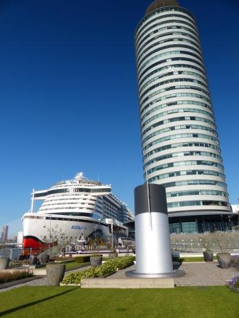Rotterdam-AIDAperla-Liegeplatz-5