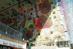 Rotterdam-Markthalle-Kunst_im_Innenraum-1