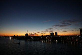 Rotterdam-Skyline-bei_Nacht-2