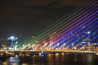 Rotterdam-Skyline-Erasmusbruecke-bei_Nacht-10