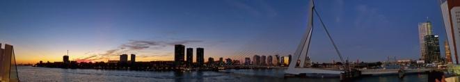 Rotterdam-Skyline-Erasmusbruecke-bei_Nacht-Panorama-1
