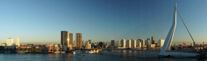 Rotterdam-Skyline-Erasmusbruecke-Panorama-2