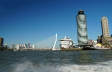 Rotterdam-Wassertaxi-Fahrt-AIDAperla-2