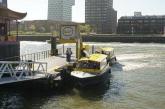 Rotterdam-Wassertaxi-Station-Euromast-1