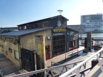 Rotterdam-Wassertaxi-Station-Hotel_New_York-2