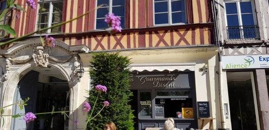 Rouen-Altstadt-Cafe-1