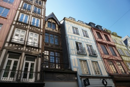 Rouen-Altstadt-Fachwerkhaeuser-10