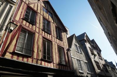 Rouen-Altstadt-Fachwerkhaeuser-2
