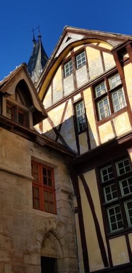 Rouen-Altstadt-Fachwerkhaeuser-3