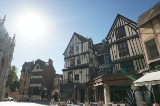 Rouen-Altstadt-Fachwerkhaeuser-4
