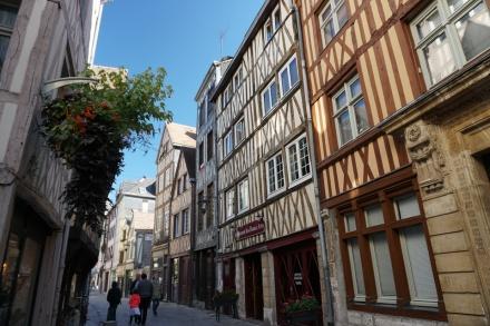 Rouen-Altstadt-Fachwerkhaeuser-7