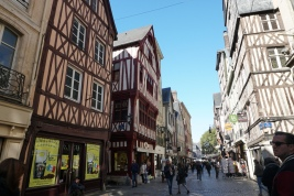 Rouen-Altstadt-Fachwerkhaeuser-8