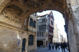 Rouen-Altstadt-Torbogen-1