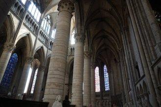 Rouen-Kathedrale-Innenraum-2
