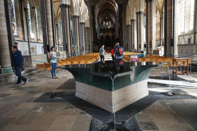 Salisbury-Kathedrale-Innenraum-Taufbecken-2